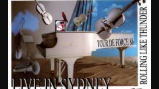 18. Cold as Christmas (In the Middle of the Year) (Elton John - Live in Sydney 12/14/1986)
