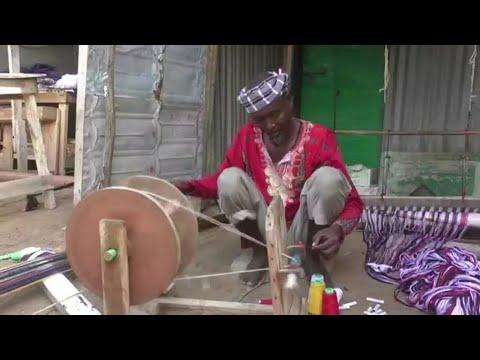 صناعة الأقمشة التقليدية في الصومال.. بين المنافسة والتمسك بالحرفة  - 18:01-2020 / 4 / 7