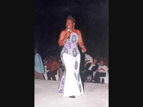 Julie Akofa Akoussah - Lonlon vivi version Originale (Togo)