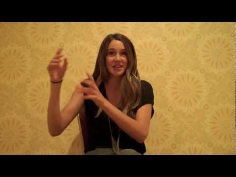 Shailene Woodley rude