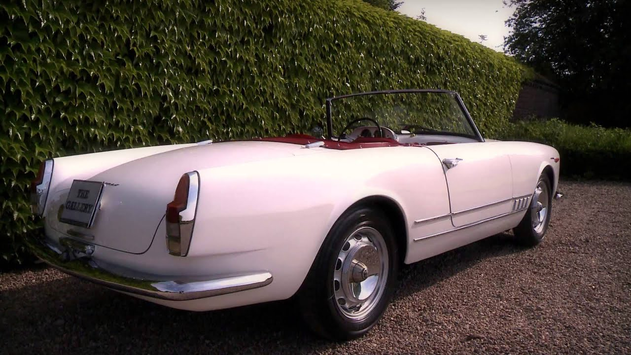 Alfa romeo 2000 touring spider 1960 full hd youtube for Interieur alfa spider 2000