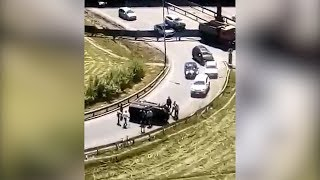 Упавший на бок «УАЗ Патриот»