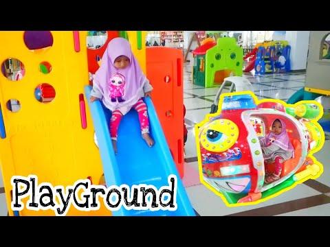 bermain-di-wahana-playground-anak-ada-perosotan-dan-ayunannya