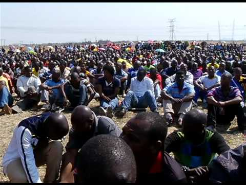President Zuma visits Lonmin miners following Marikana tragedy