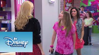 Elena canta ¨Destinada A Brillar¨ | Momento Musical | Violetta