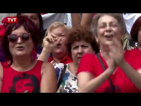 Militantes fazem manifestação  pró-Lula...