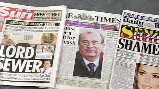 لورد بريطاني يستقيل من منصبه بعد نشر فيديو له يتعاطى المخدرات   28-7-2015