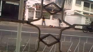 GUARDIA NACIONAL ATACA CONTRA ESTUDIANTES EN BARRIO SUCRE TACHIRA 24-02-14 8:30AM
