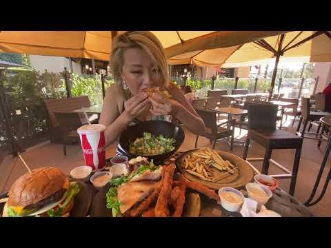 The Krave Kobe Burger Gril In Newport Beach, CA #RainaisCrazy Mukbang