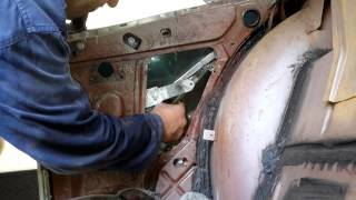 Buick Riviera 1963 Rear window removal Part 1