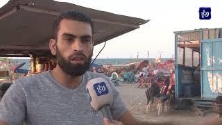 جامعيون في قطاع غزة يعملون في البسطات والأكشاك هرباً من البطالة - (30/9/2019)