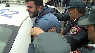Գյումրի.ուսանողին ոստիկանները ծեծել եւ ՃՈ մեքենայով բերման են ենթարկել