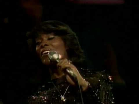 Dionne Warwick - This Guy's In Love With You