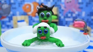 INFANTS SHOWER BATHING! -in- Green Babies Superheroes Clay & Play Doh Stop Motion For Kids