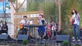 許哲珮 - 誰 (2012-11-10@City Café音樂花房)
