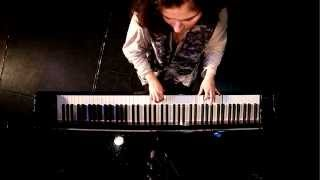 Nazanin Aghakhani´s special Piano Teaser...