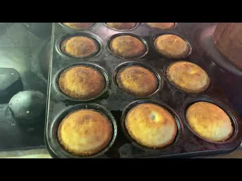 Mom Made These Excellent White Cornmeal Muffins