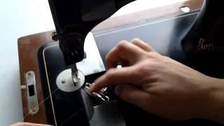 Vintage symaskine - Sådan tråder man undertråden