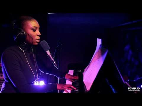 Laura Mvula _ Magic (Coldplay cover, live @ BBC radio1)