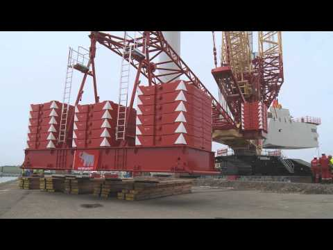 Liebherr - LR 11350 crawler crane with PowerBoom