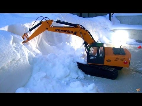 RC ADVENTURES - Excavating Cocaine Ridge - 1/12 Scale Earth Digger 4200XL Hydraulic Excavator