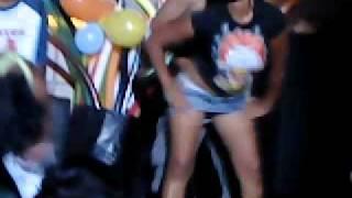 Repeat youtube video DesbistiendoZe en La Holly PoR 2 JarraZ De Cerveza