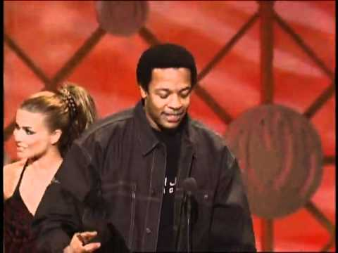 Dr. Dre Wins Favorite Rap/Hip-Hop Artist - AMA 2001