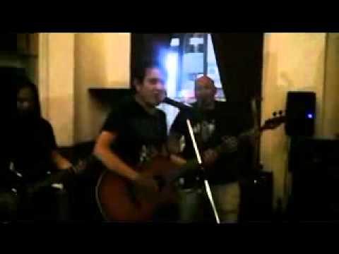 D'Ubz - Bercinta Di Udara (Farid Hardja Cover, Live Braga Cafe)