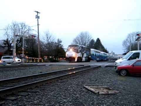 Sounder trains meet; loco on 2nd train has