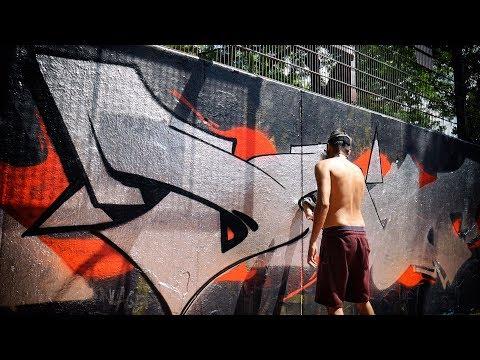 GRAFFITI - YouTuber vs YouTuber