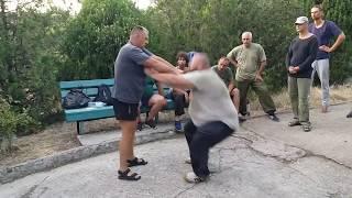 Проникающие удары Постановка ударов в русском стиле - системе рукопашного боя База Обучение
