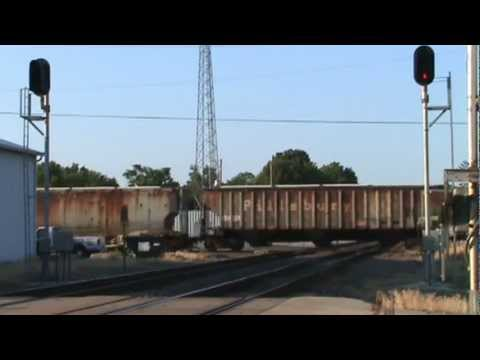 (Dash 8 and Tunnel Motor!) Day and nighttime railfanning in Watseka, Illinois on 7-16-12 & 7-17-12