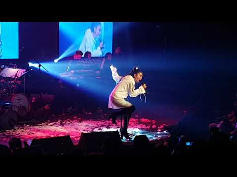 Ylona Garcia sings Dangerous Woman at YLONA Arrival concert