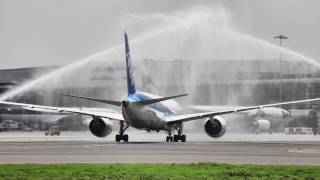 Boeing 787 Dreamliner Lands in Delhi