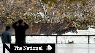 Niagara scow moves closer to falls' edge