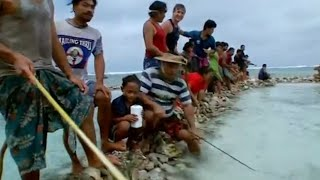 Anuta Community Fish Drive - Tribe With Bruce Parry - BBC