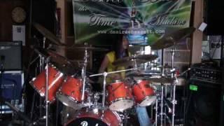 Circles - Joe Satriani (cover on drums by Desiree