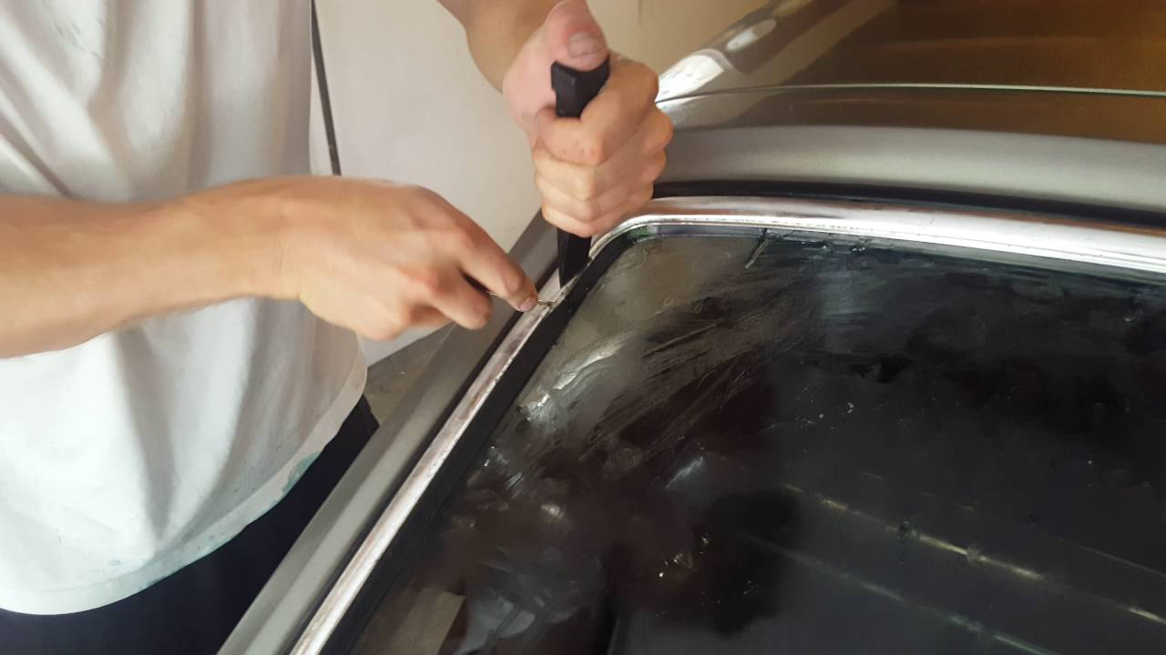 Mgb Gt Rear Hatch Chrome Trim Installation Youtube