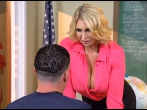 شاهد قبل الحذف المعلمة المثيرة   !!!؟؟؟  (  إغراء جنسي مع الطلبة )