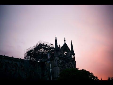 Пожар в соборе Парижской Богоматери. Прямой эфир