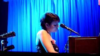 Norah Jones - Waiting (Live @ Olympia)
