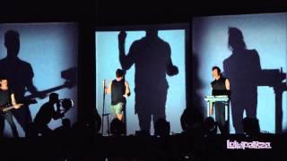 Nine Inch Nails - Sanctified (Live)