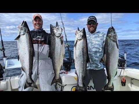 King Salmon SMACKDOWN On Lake Michigan - Go Angling E19