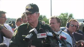 4 dead, including shooter, in gunfire at Florida naval base