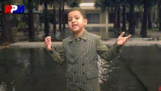 Muhammad Hadi Assegaf - Bahebbak Wa Baridak (Official Music Video)