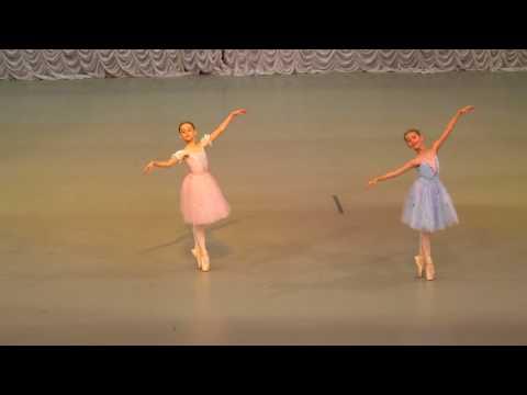 """Вариация из балета """"Тщетная Предосторожность"""". Привальчук Елизавета и Шпаковская Вера."""