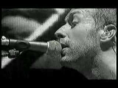 coldplay performing amsterdam