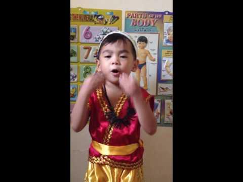 """tula na may temang wika Buwan ng wika """"lakan at sa mga nasabing tanggapan na nagdiwang at matagumpay na nagdaos ng 'buwan ng wika 2012"""" ang buwan ng wika na may temangdoc."""