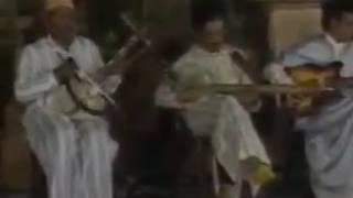 Gambar cover أغنية الحسين أمراكشي أقديم lhosain amrakchi
