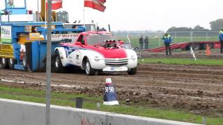 Tractor pulling Oudenhoorn 2011 Screamin' Bobcat 2 wheel drive